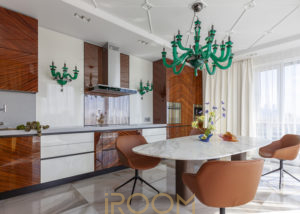zhk lajner kuhnya 300x214 - Кухня-гостиная в неоклассическом стиле